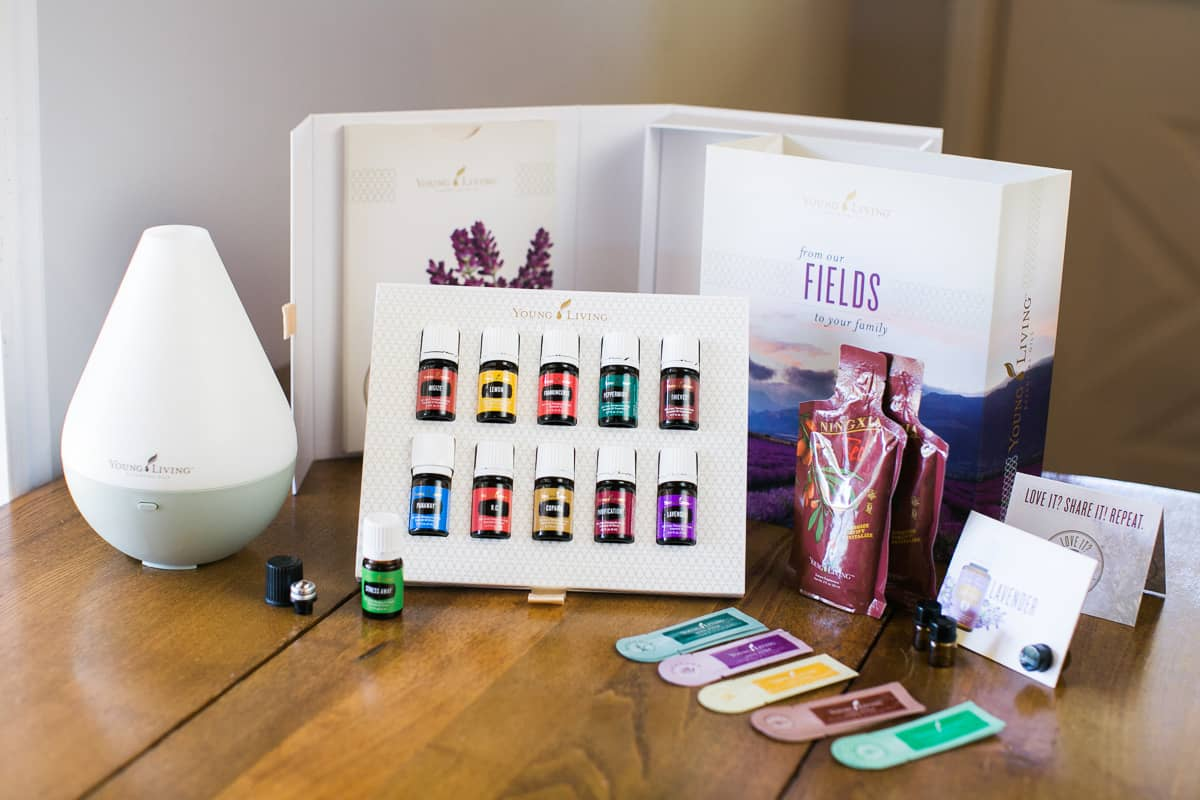 Want to learn how to get started with essential oils? Getting started with essentail oils is easy when you purchase the Young living starter kit. It's great for beginner essential oil users. Young living starter kit oils. byoilydesign.com YL member # 3177383