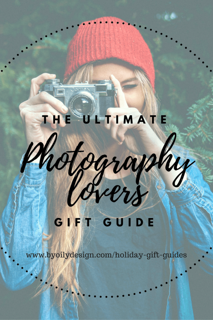Unique photography gift ideas for photographers. Gifts for photography lovers. Gifts for photographers under $20. What to buy a photographer. Gifts for the photography enthusiast. photography gifts for him. photography gifts for her. cheap gifts for photographers. Holiday and Christmas gift ideas for the photography lover.