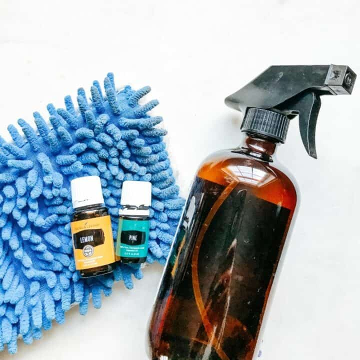 Homemade vinyl floor cleaner